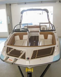 Glastron GTDW 225 Surf