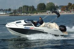 Quicksilver 555 Cabin + 100 PS MESSEBOOT D´DORF Cuddy Cabin
