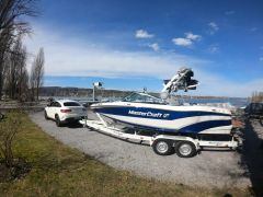 MasterCraft XT20 Wake and Surf Wakeboard / Wasserski