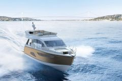 Sealine F530 Flybridge Yacht