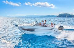 Quicksilver 755 Cruiser 250 PS MESSEBOOT Daycruiser