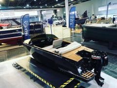Flying Shark 5.7 Runabout