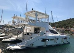 Robertson And Caine Leopard 39 Pc Flybridge Yacht