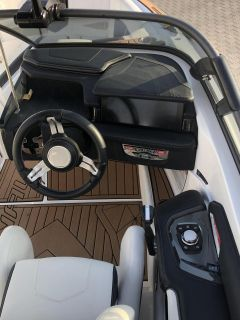 Nautique G21 mit NEW Steering Assist