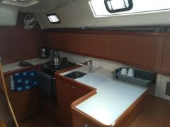 Beneteau Oceanis 40 - Galley