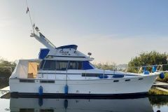 Bayliner 3888 Flybridge Motor Yacht