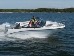 AMT 190 BR Deck Boat