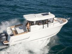 Jeanneau Merry Fisher 855 Marlin / 300 PS Pilotina