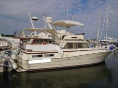 Viking 43 Flybridge Yacht