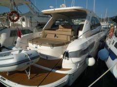 Bavaria 43 HT Hard Top Yacht