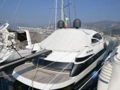 Pershing 50 HT mit Arneson Surface Hard Top Yacht