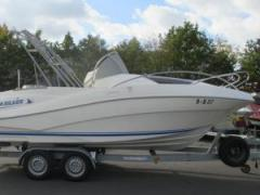 Quicksilver 635 Commander WA Daycruiser