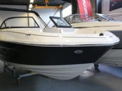Bayliner VR 6 250 PS / Optionen / Trailer Bowrider