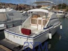 Bertram Yacht 30 Fly Flybridge Yacht