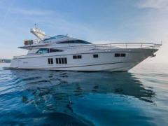 Fairline Squadron 78 Custom Yacht a Motore