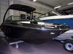 Sea Ray 210 SPXE Black Beauty Bowrider