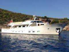 Classic Yacht Conquest