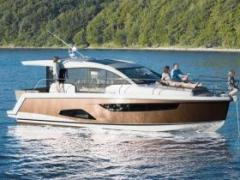 Sealine C 330 Hard Top Yacht