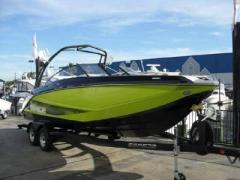 Scarab Impulse 255 Wakeboard / Ski nautique