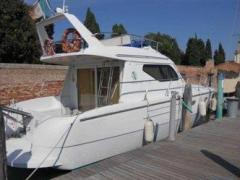 Carnevali 36 Fly Flybridge Yacht