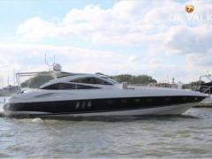 Sunseeker Predator 68 Hard Top Yacht