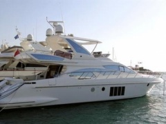 Azimut 64 Fly Flybridge Yacht