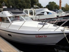 Tristan 315 Fly Flybridge Yacht