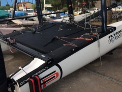 Flying Phantom #52 + 2 mats neuf Catamaran