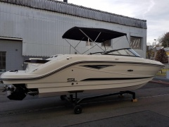 Sea Ray SLX 250 Europe Imbarcazione Sportiva