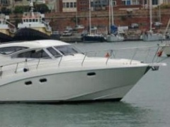 Space 360 cruiser ht Hard Top Yacht