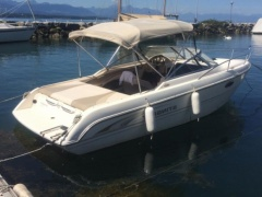 Stingray 220 CX Cuddy Cabin