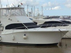 Luhrs 35 Convertible Flybridge Yacht