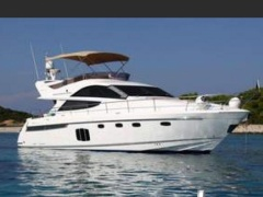 Fairline 48 Phantom Flybridge Yacht