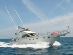 Striker 58 Flybridge iate