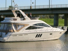 Sealine T 50 Flybridge Yacht