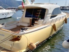 Mochi Craft Mochi 54 Dolphin Hard Top Yacht