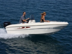 Karel 400 Open Bowrider