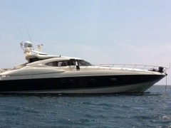 Sunseeker Predator 80 Hard Top Yacht