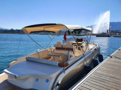 Invictus 280 GT Yacht a Motore