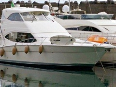 Maritimo 500 Offshore Convertible Flybridge Yacht