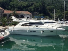 Sealine F42/5 Flybridge Yacht