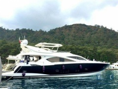 Sunseeker 82 Flybridge Yacht