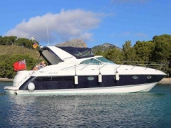 Fairline Targa 43 Living 4 three Yacht a Motore