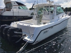 Boston Whaler 345 Conquest Motoryacht