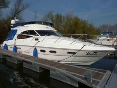 Sealine 42 5 Flybridge Yacht