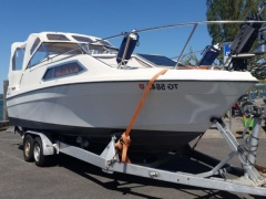 Bayliner Express Pilothouse Boat