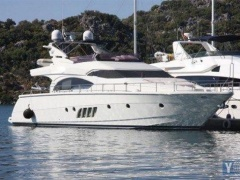 Dominator 680s Yacht a Motore
