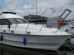 Birchwood TS 33 Flybridge Yacht