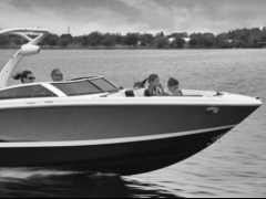 Four Winns H230 Sport Boat