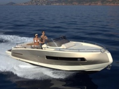 Invictus GT 280 Yacht a Motore
